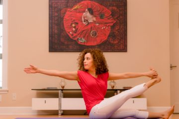 Mehrnaz-Yoga-Red-and-White